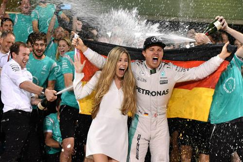 Росберг став чемпіоном світу, програвши Хемілтону в Абу-Дабі