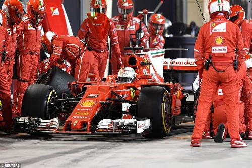 Феттель переміг у Бахрейні, Хемілтон і Боттас серйозно відстали