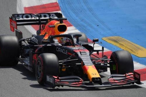 Ферстаппен переміг Хемілтона на третій практиці в Іспанії