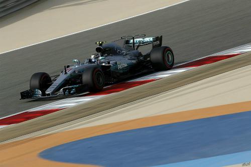 Боттас виграв поул в Бахрейні, Хемілтон і Феттель - одразу за ним