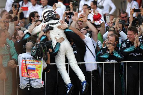 Перша в історії перемога Боттаса у гонці в Росії (ФОТО)
