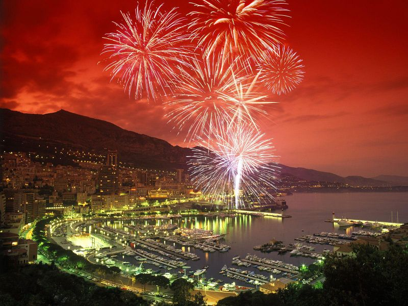 0651_fireworks-over-monte-carlo-harbor-monaco.jpg (117.09 Kb)