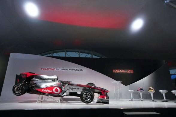 2010-mclaren-mp4-25-formula-1-car-sport-3.jpg (38.51 Kb)