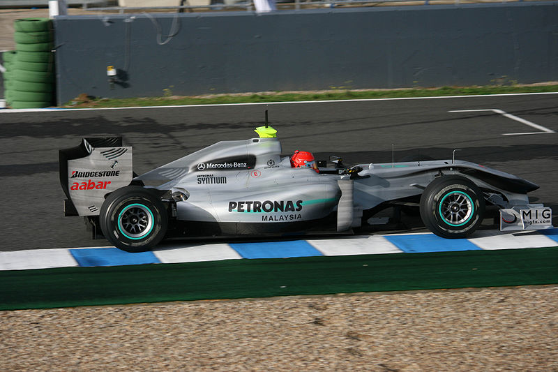 800px-michael-schumacher-2010-jerez-test-2.jpg (91.28 Kb)