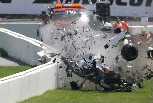 8086_kubica-crash.jpg (24. Kb)