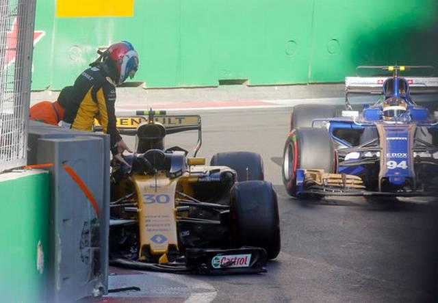 azerbaijan_f1_gp_auto_racing_11712.jpg (36. Kb)