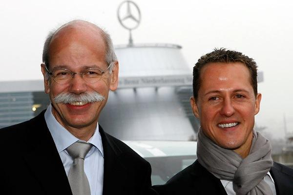 new-mercedes-team-formula-1-michael-schumacher-dieter-zetsche.jpg (50.81 Kb)
