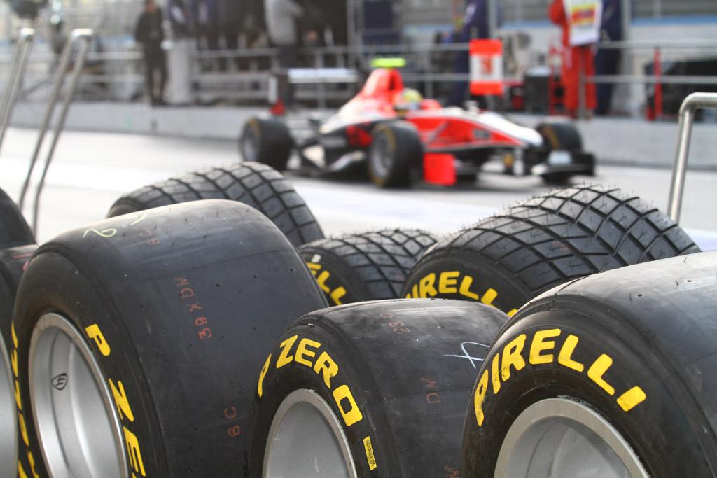 pirelli-tyres.jpg (155.34 Kb)