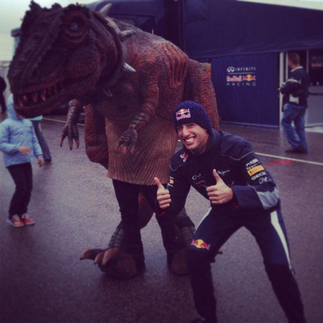 ricciardo_dinosaur_wrc_aragon_april2013.jpg